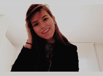 Chiara  - 20 - Etudiant(s)