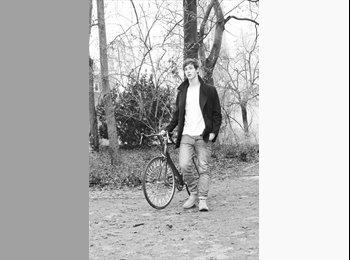 Jonathan - 20 - Etudiant(s)