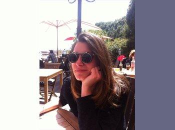 Andrea - 22 - Etudiant(s)