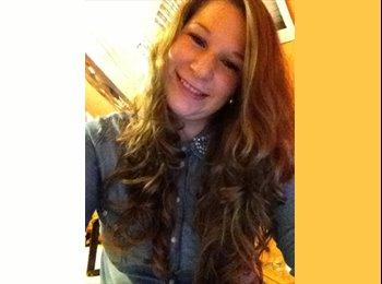 Laura - 22 - Etudiant(s)