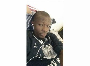 Ousmane  - 26 - Etudiant
