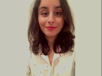 Inès  - 19 - Etudiant