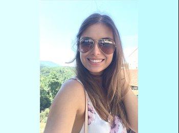 Julia - 19 - Etudiant