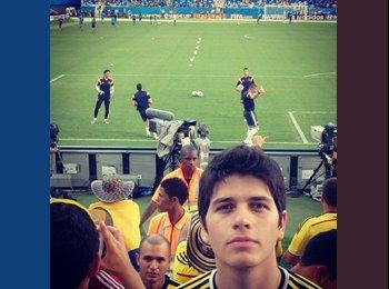 Carlos - 25 - Etudiant