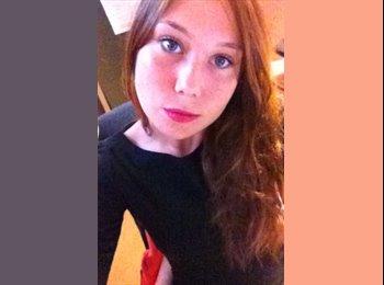 Ilona - 18 - Salarié