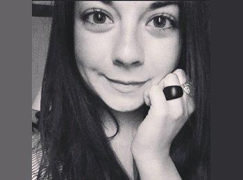 Noémie - 18 - Etudiant