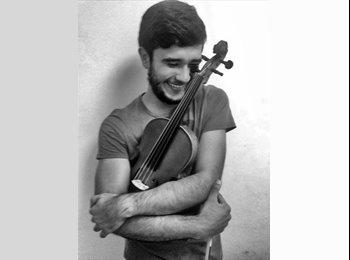 Alejandro Díaz - 21 - Etudiant