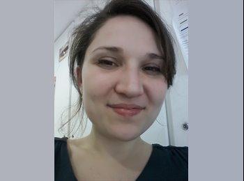 Cécile  - 27 - Etudiant