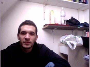 Luis Miguel - 24 - Salarié
