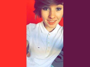 Laurie  - 18 - Etudiant