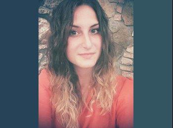 Nicoletta - 26 - Etudiant