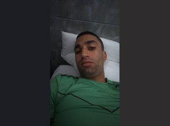 Youssef  - 25 - Etudiant