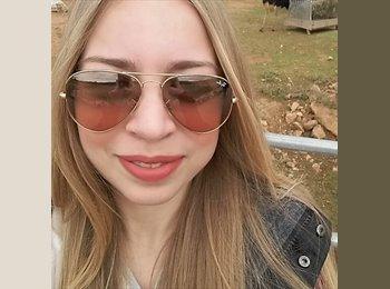 Konstantina - 21 - Etudiant