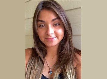 Karolina - 23 - Etudiant