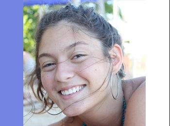 Laura - 24 - Etudiant