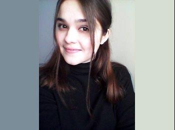 Natalia  - 19 - Etudiant