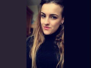 Sarah - 19 - Etudiant