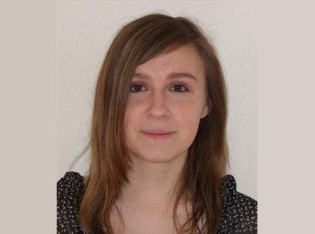 Julie - 25 - Etudiant