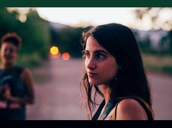 Julia - 23 - Etudiant