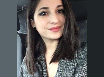 Laura - 23 - Salarié