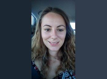 Laura - 22 - Etudiant