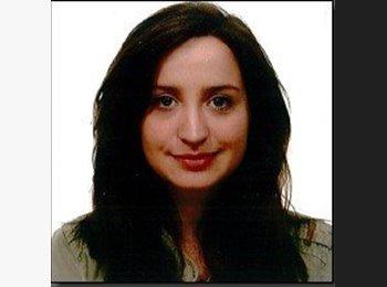 Julia - 24 - Etudiant