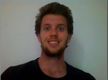 Nathan Flinders - 27 - Salarié