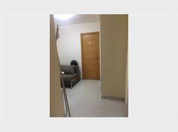 -  Double Bedroom w/Private Bath in Wanchai for Share...