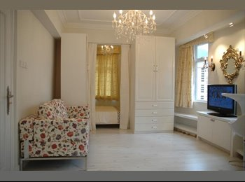 Beautifully decorated studio in Chung Wui Apartments, Wan...