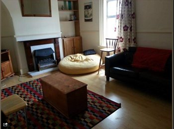 EasyRoommate IE - Bed in Shared Twin Room Harolds Cross - South Dublin City, Dublin - €440 pcm