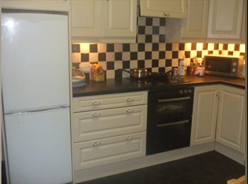House share 10 mins from city centre