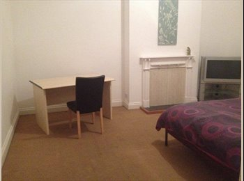EasyRoommate IE - Large double room available for rent - Dublin City Centre, Dublin - €500 pcm