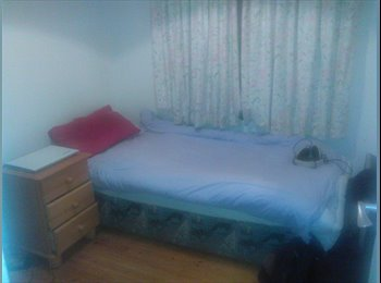 EasyRoommate IE - Furnished room with sociable housemates - Galway, Galway - €300 pcm