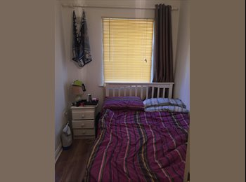 EasyRoommate IE - Double Bedroom available (Optional Car Park) June 2016, Dublin - €750 pcm
