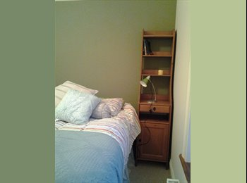 DOUBLE BEDROOM WITH QUEEN S  BED AND DESK