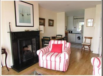 EasyRoommate IE - Cosy & Relaxing Cobh Appartment, Cork - €450 pcm