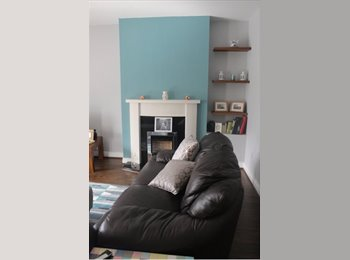 EasyRoommate IE - Double room with own bathroom - MON-FRI preferred, Dublin - €550 pcm