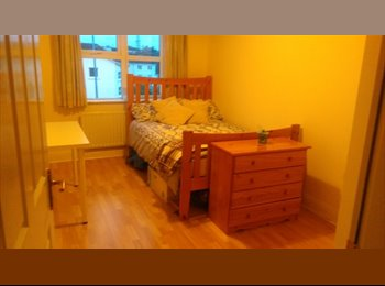 EasyRoommate IE - Double room available, Galway - €400 pcm