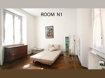 Bella stanza in un ottima zona di milano ampia e luminosa,...