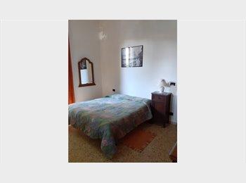 EasyStanza IT - Ampia camera singola, Bagno a Ripoli - € 380 al mese