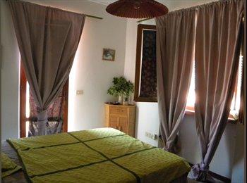EasyStanza IT - Affittasi ampia e luminosa camera al mare - Livorno, Livorno - € 350 al mese