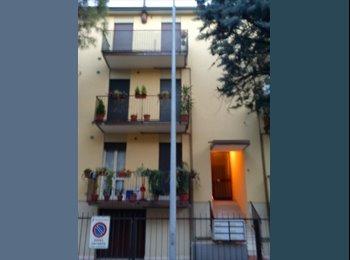 EasyStanza IT - stanza singola 260 euro tutto compreso per femmina - Padova, Padova - € 260 al mese