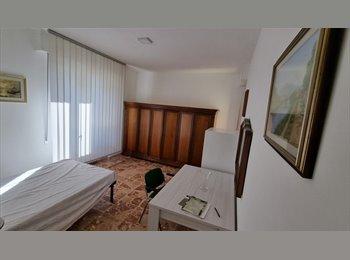 EasyStanza IT - Affitto camera singola. Firenze zona Isolotto - Isolotto - Talenti, Firenze - € 300 al mese