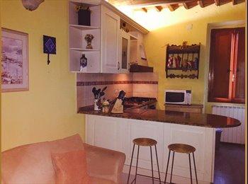 EasyStanza IT - camera matrimoniale in affitto - Pistoia, Pistoia - € 300 al mese