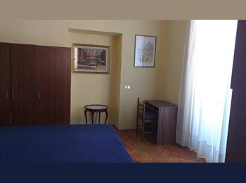 EasyStanza IT - affittasi stanza singola arredata centro storico - Roma Centro, Roma - € 580 al mese