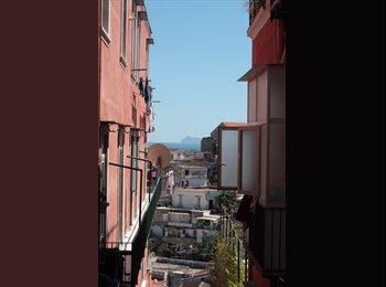 EasyStanza IT - Nel cuore di Napoli in zona tranquilla - S. Lorenzo - Vicaria, Napoli - € 370 al mese