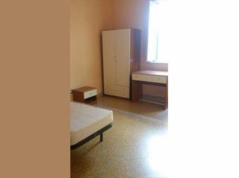 Affittasi a studentessa stanza singola €125