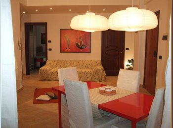 EasyStanza IT - Stanza  con bagno privato Catania centro, Catania - € 280 al mese