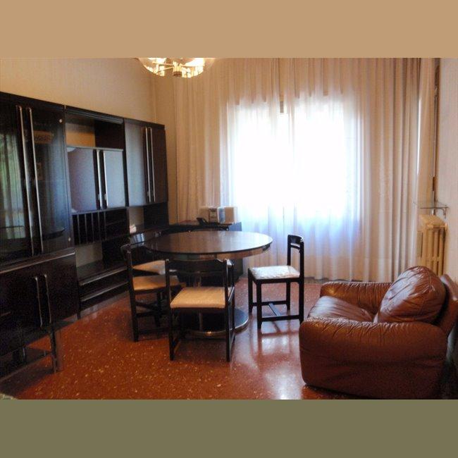Casa moderna roma italy affitto stanza studenti for Appartamenti in condivisione milano