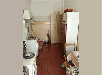 ampia stanza singola in affitto, stazione centrale
